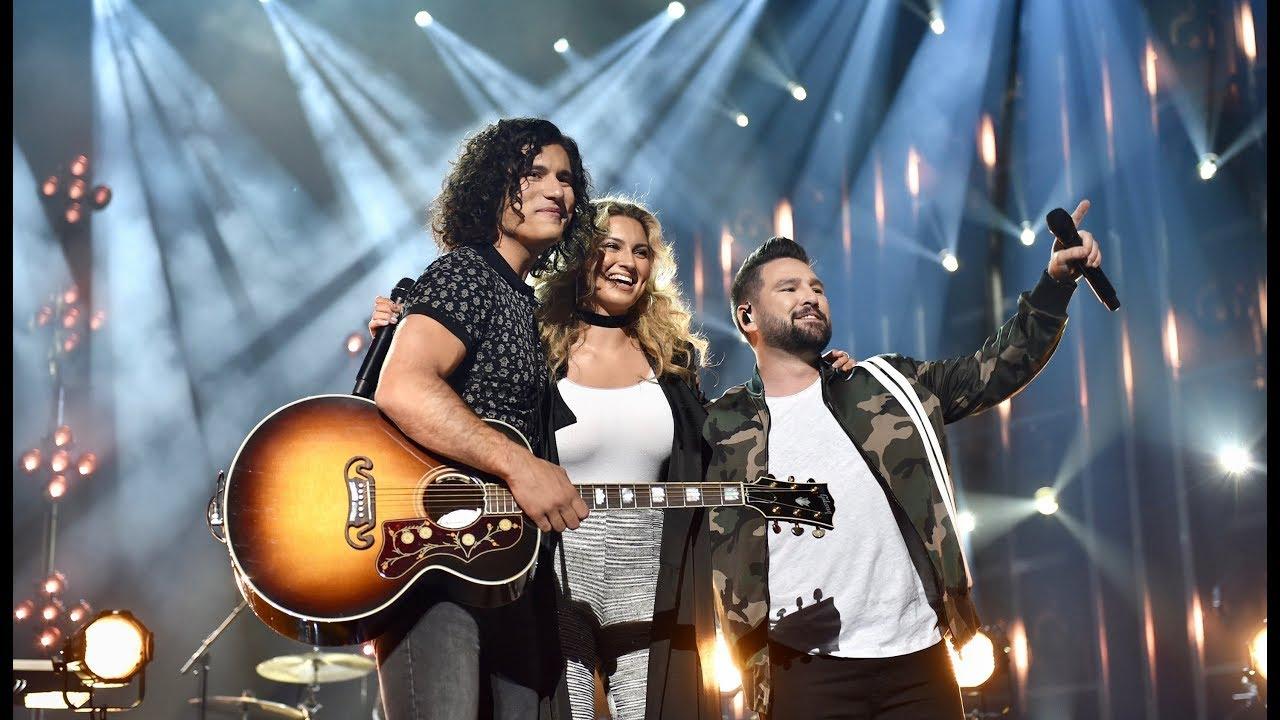 Dan + Shay Sing 'Speechless' at 2019 CMA Awards