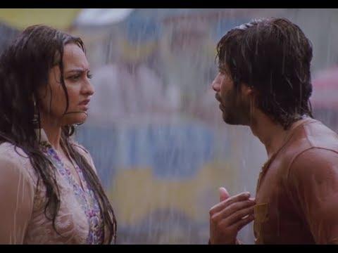 Shahid Kapoor And Sonakshi Sinha's Baarish Wala Romance