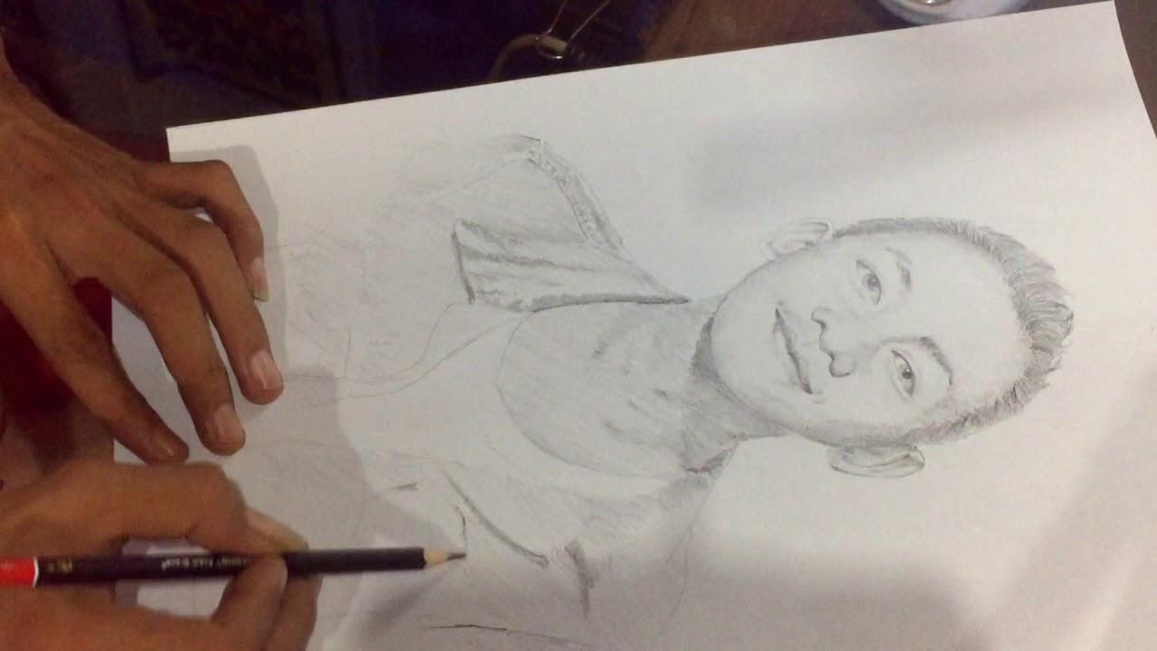 Menggambar Sketsa Wajah Menggunakan Pinsil