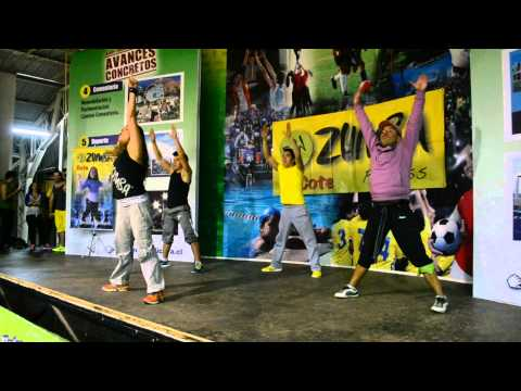 Raquel Call - Aquecimento das Panteras - Zumba Chile 2013 Travel Video