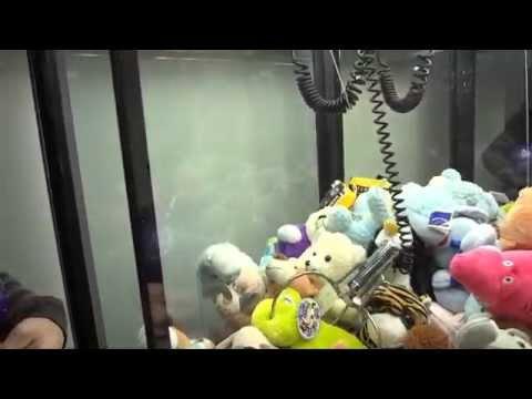 Winning From an Out of Order Claw Machine! | Matt3756