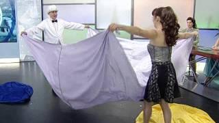 видео Шоу «Моментальная трансформация костюмов»