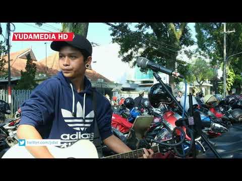 Biar Aku Yang Pergi - Aldy Maldini (Cover Musisi Jalanan Malang)