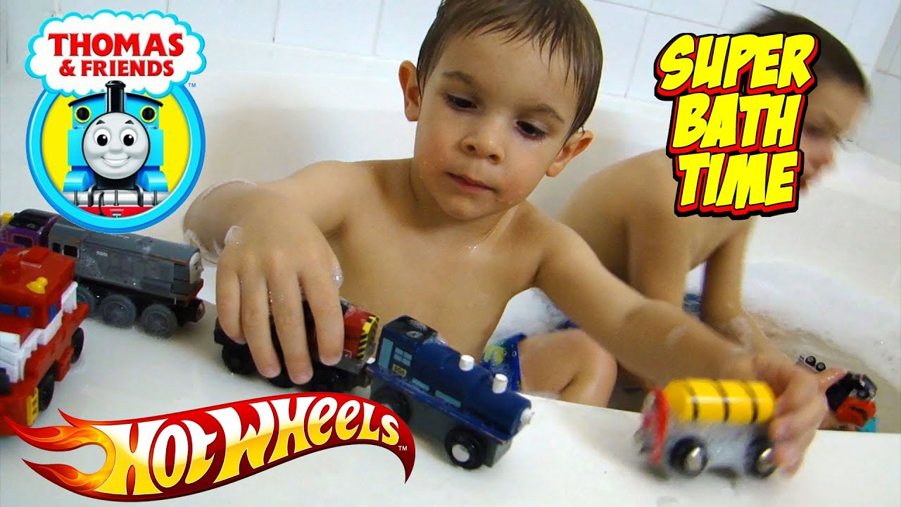 Thomas & Friends Bubble Bath Time Fun In The Bath Tub With Hot