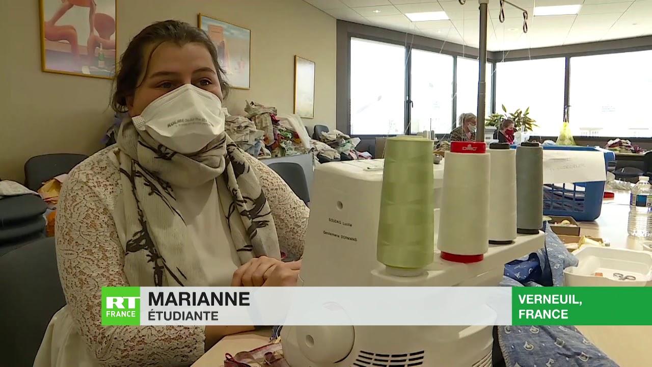 Des bénévoles confectionnent des masques et des blouses pour les soignants du Grand Est