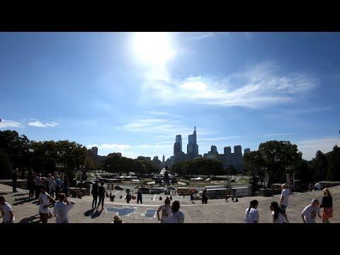 ⁴ᴷ Walking Tour of Philadelphia, PA - Greyhound Bus Terminal to Philadelphia Museum of Art