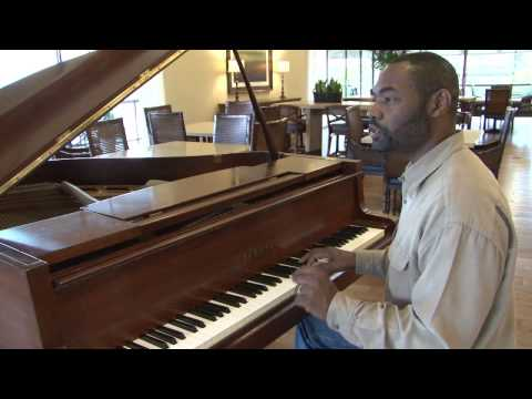 How to Play a Grace Note on the Piano