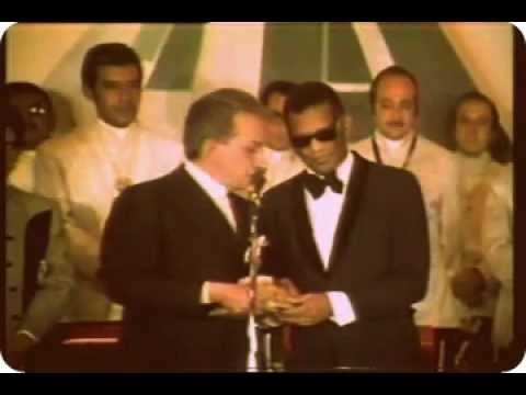 Watch CANTINFLAS Y RAY CHARLES 1970