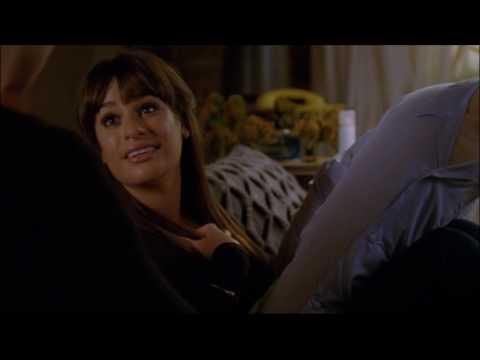 Glee - Kurt gives Santana and Rachel...