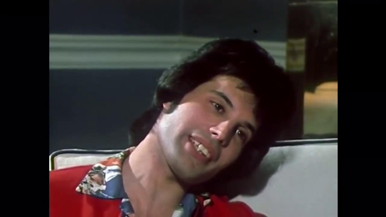 Freddie Mercury Interview in 1977 =) - YouTube