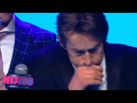 MOST AWKWARD Award-winner almost pukes on stage (CRINGE)