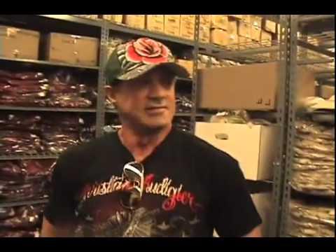 Sylvester Stallone De Compras En Ed Hardy