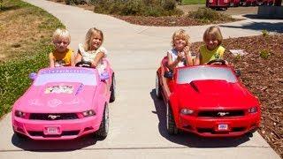 Power Wheels Sidewalk Race - Ford Mustang vs Disney Mustang