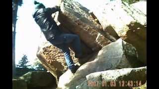 Mini spot escalade - bouldering - bloc - Camping Huttopia Font Romeu 2013 - pyrénées catalanes