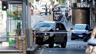 Off-Duty Cop Praised For Stopping Suspect After SUV Rams Into Melbourne Crowd thumbnail