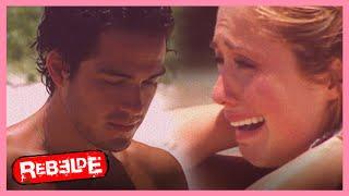 Rebelde: ¡Mía y Miguel se quedan atrapados en la isla! | Escena C222-C223 | Tlnovelas