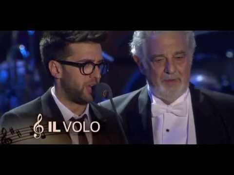 Il Volo no Fantástico falando do DVD Una Notte Magica com Plácido Domingo