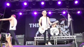 The Tide -  Falling in love tonight (live at westonbirt front row)