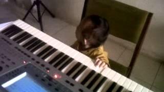 anak 1 th sudah bisa bermain orgen tunggal