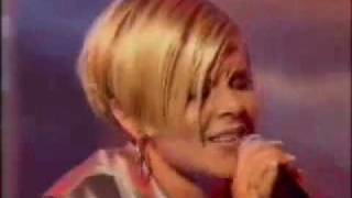 Robyn - Live Do You Know What It Takes