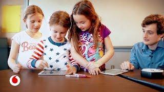 El robot con el que los niños aprenden a programar antes que a escribir