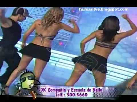 Upskirt - Alessandra Zignago - Baile Super Hot - Se le ve el Forro HQ