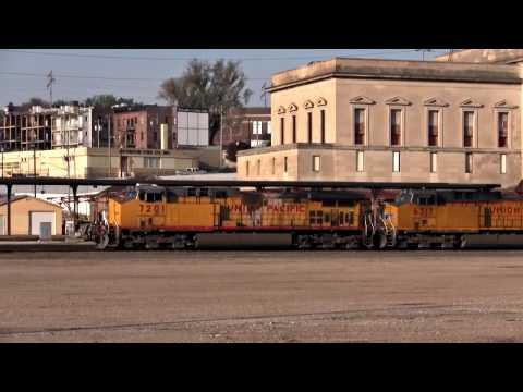 Early Morning Railfanning in Omaha, NE