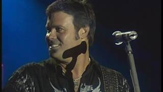 MONTGOMERY GENTRY Something To Be Proud Of  2008 LiVe
