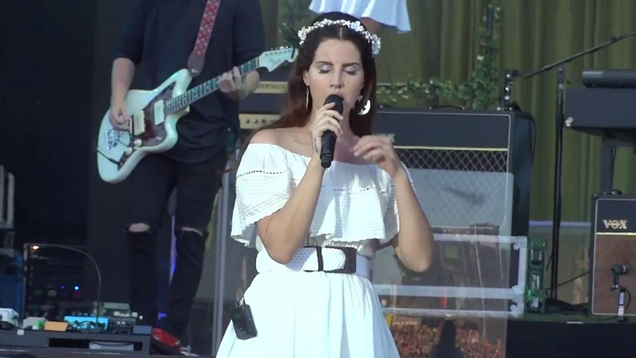 Lana Del Rey - Cruel World (Live at Vieilles charrues 2016) The Best Performanceyoutube.com