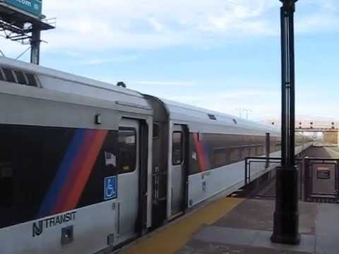 New Jersey Transit Meadowlands shuttle train at Secaucus Junction