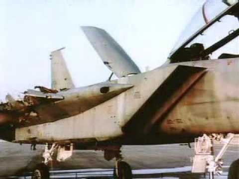 F-15 lands with one wing