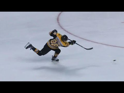 Pastrnak with a rocket to beat Rinne in the first