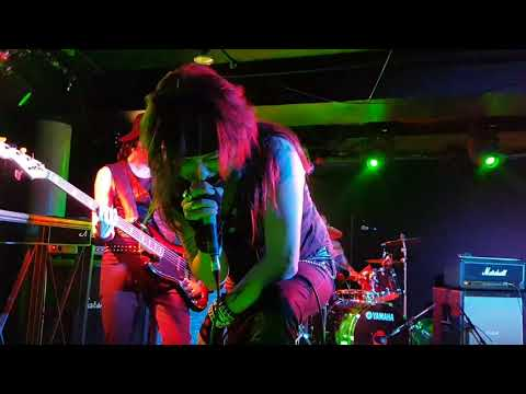 Stone Trigger - 'Larger Than Life' live at The Underworld  (2nd night)