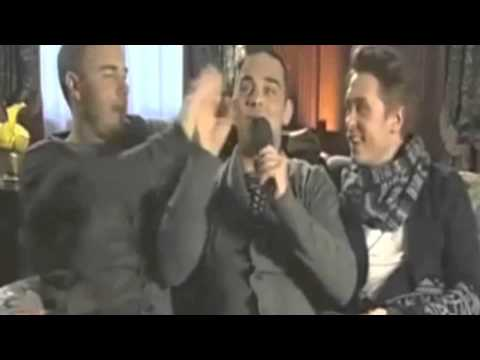 Robbie Williams & Gary Barlow - Come what may