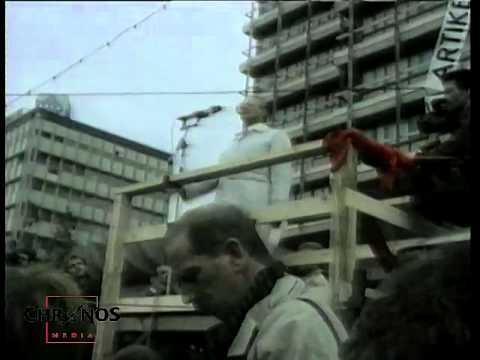 4. November 1989: Alexanderplatz - Demonstration, kurz vor dem Mauerfall