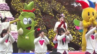 弘前城菊と紅葉まつり りんご娘ライブから 「だびょん」です。 いくつか...