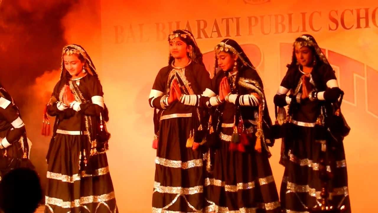 Kalbelia dance   rajasthani brand bhajan   cycle puncture kar layo.