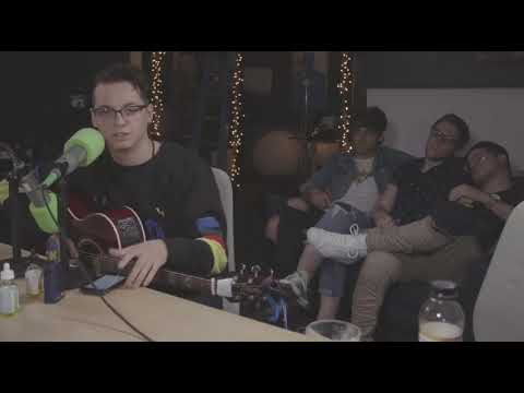 Nick Anderson from the Wrecks singing an unreleased song on Beyond the Pine