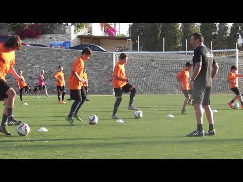 Specific coordination and strength  on the ball