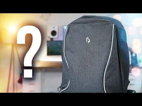 What's in my Travel Tech Backpack 2017!
