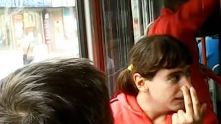dement v tramvaji