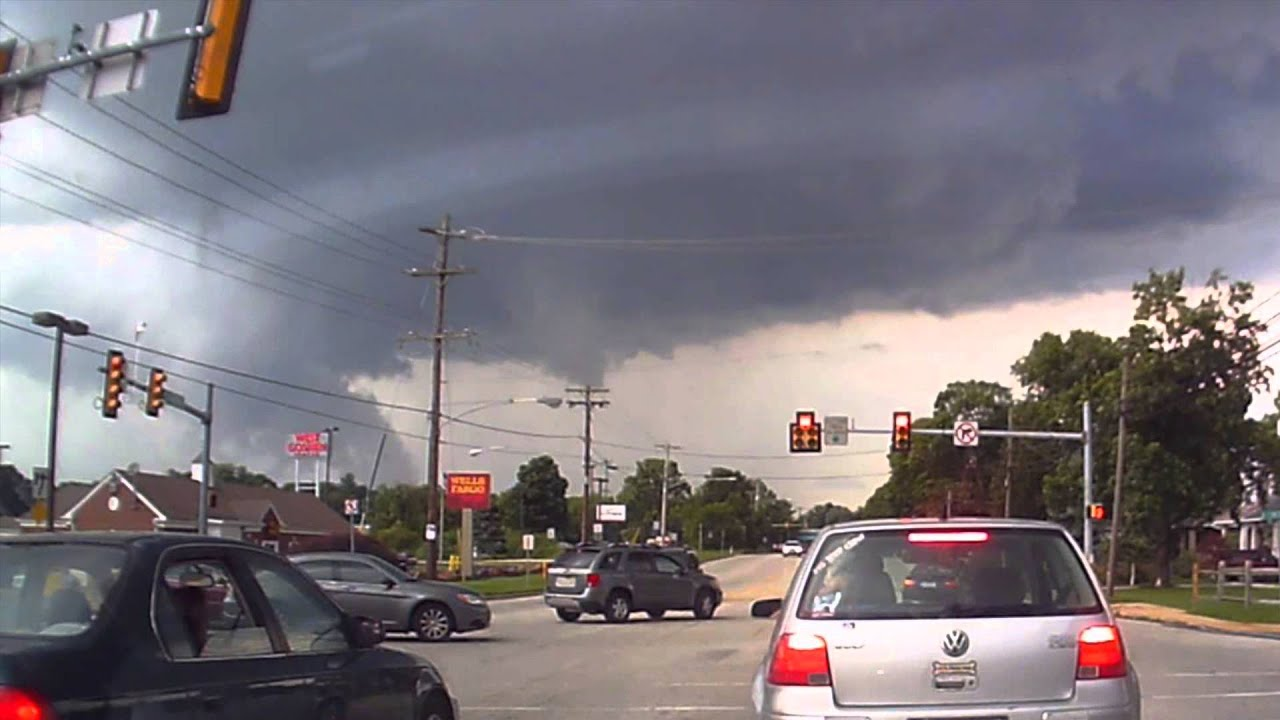 Tornado Warning Storm Building On Dash Cam West