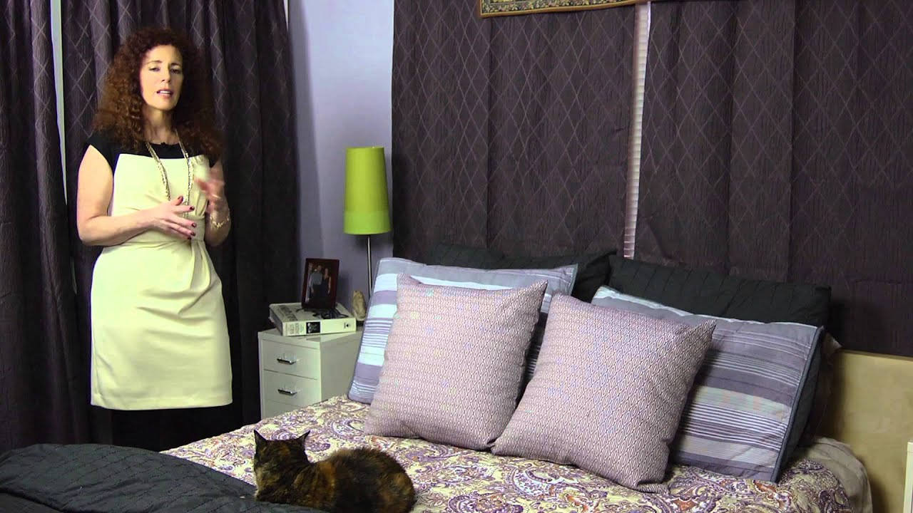 How to decorate nightstands ideas for home decorating - How to decorate a nightstand ...