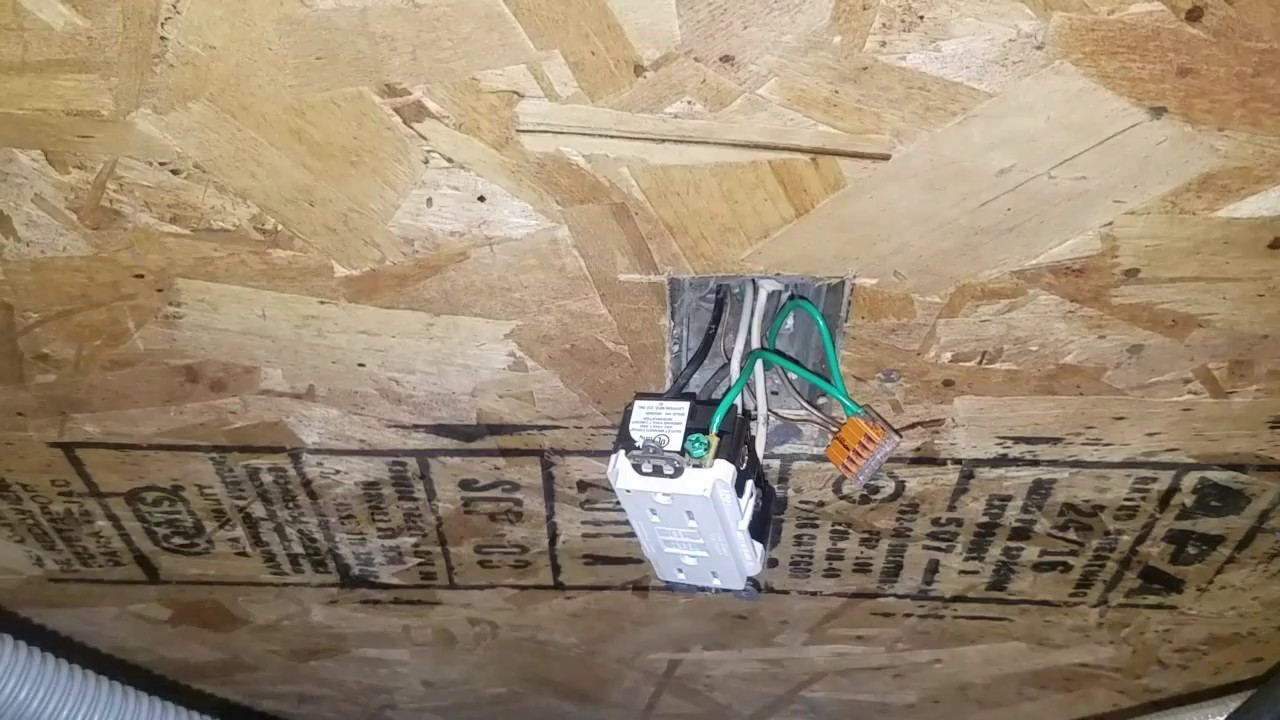 How To Upgrade Change An Old Outlet A Afci Gfci Youtube Removing The Gfi