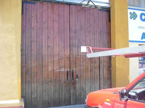 Saguan abatible electrico youtube for Saguan de madera