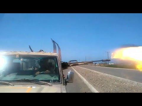 استعار المعارك بين التحالف العربي والحوثيين على الطريق الساحلي الواصل بين مطار الحديدة ووسط المدي…  - نشر قبل 2 ساعة