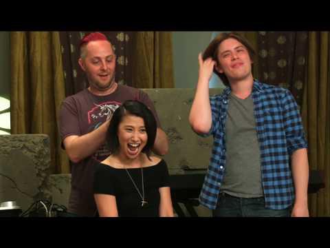 Taliesin Jaffe cuts Erika Ishii's hair - Geek and Sundry