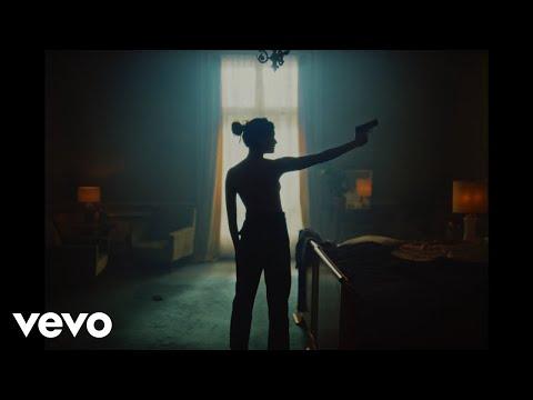 Lefa - Bitch (Clip officiel) ft. Vald