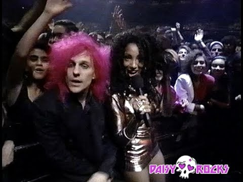 Poison - Akward Moments with C.C. at the MTV Music Awards 1991