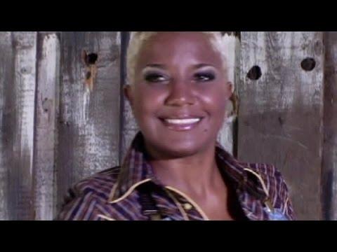 Haila María Mompié - Esto sí sabe a Cuba (OFFICIAL VIDEO)